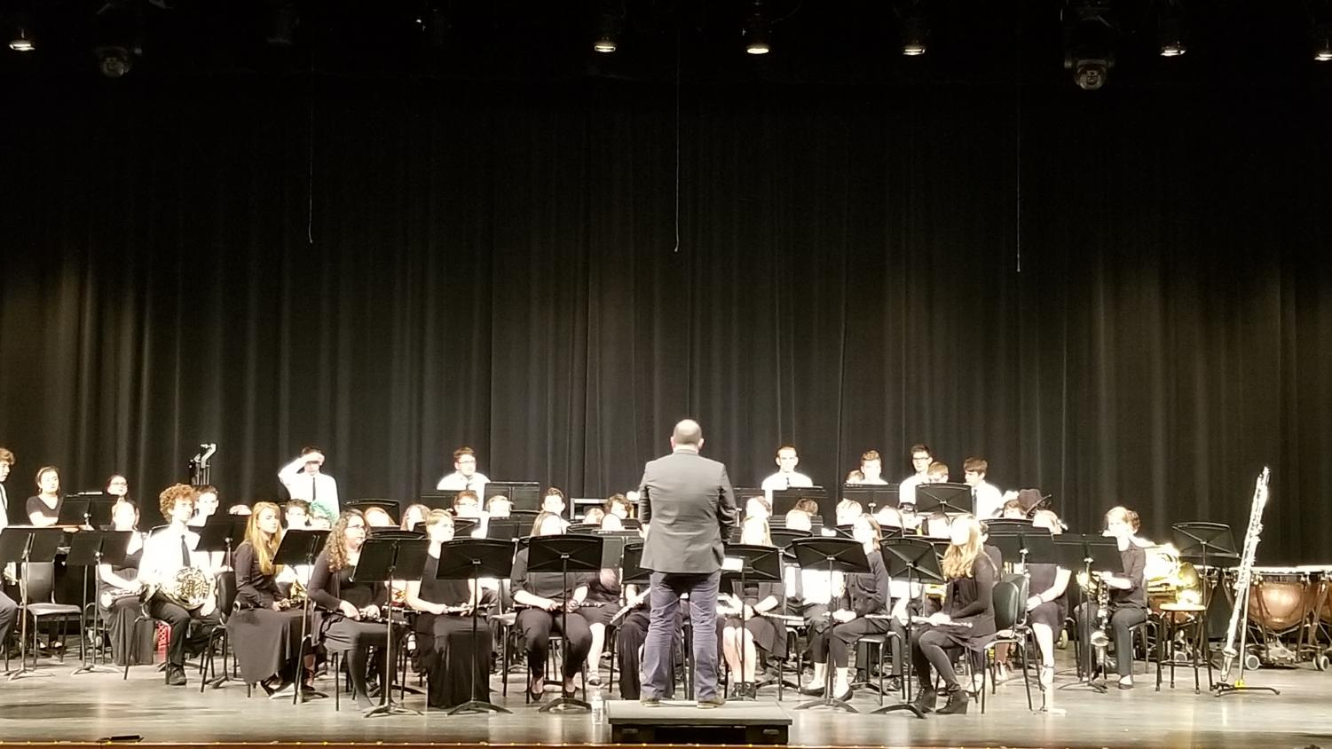 Guest conductor with MV band