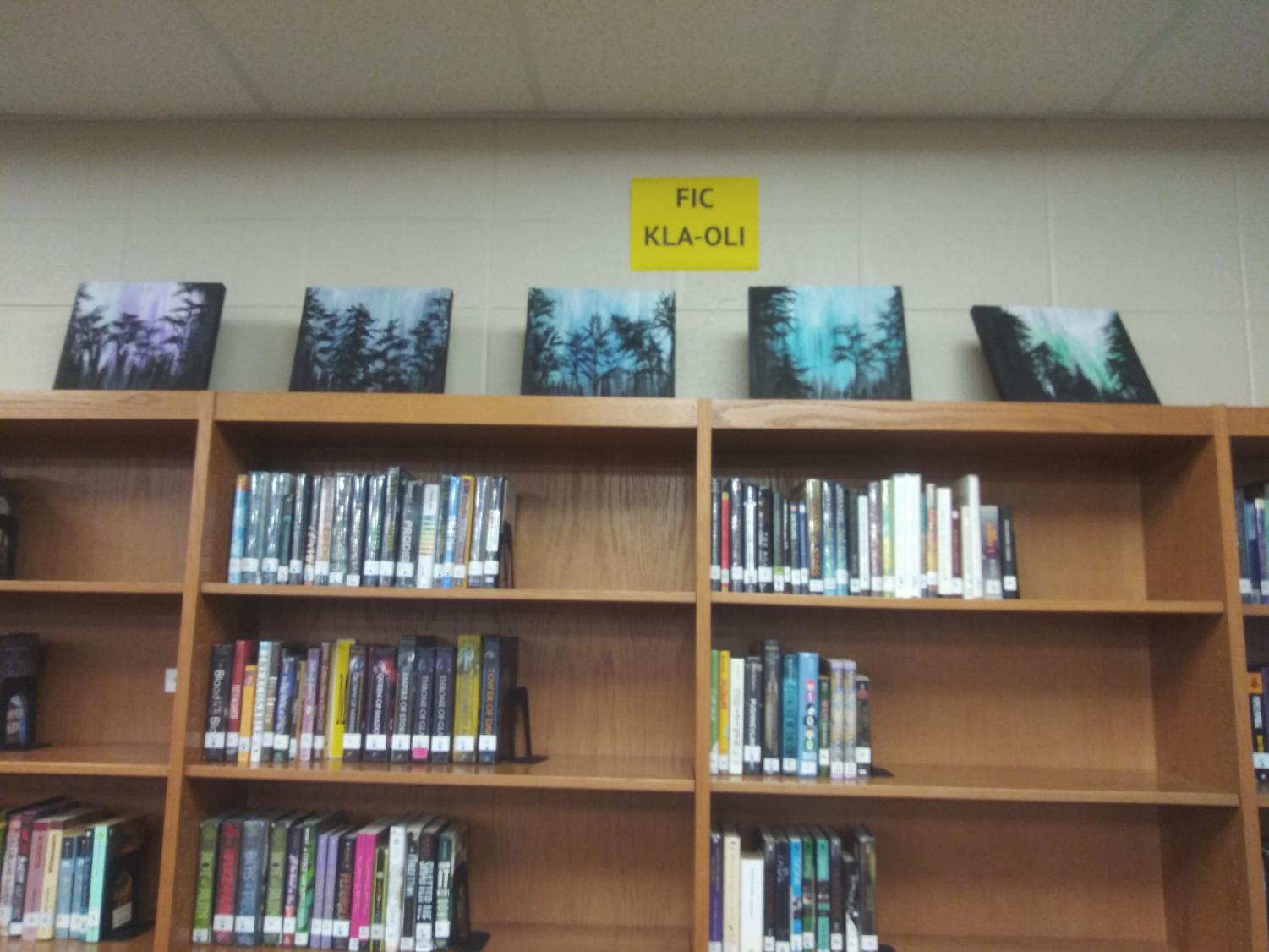 Paintings+in+the+library