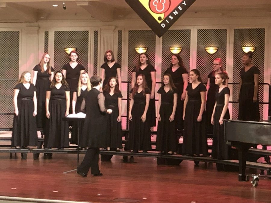 Women%27s+Choir+performs+onstage