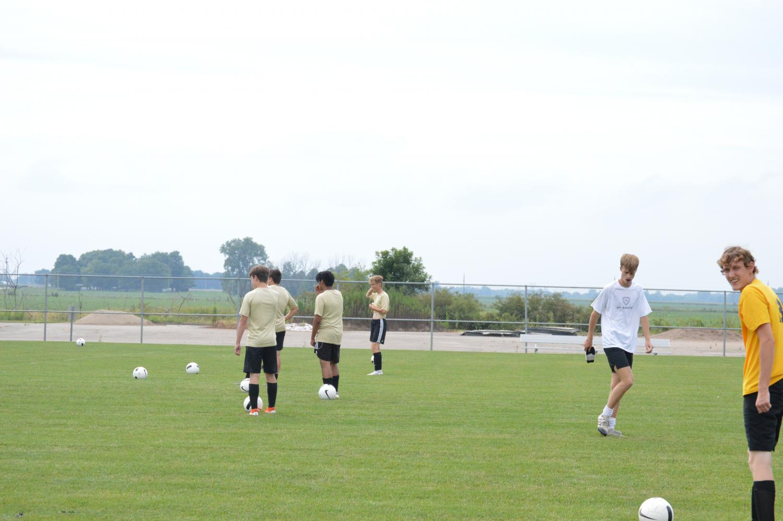 Boys+Practicing+