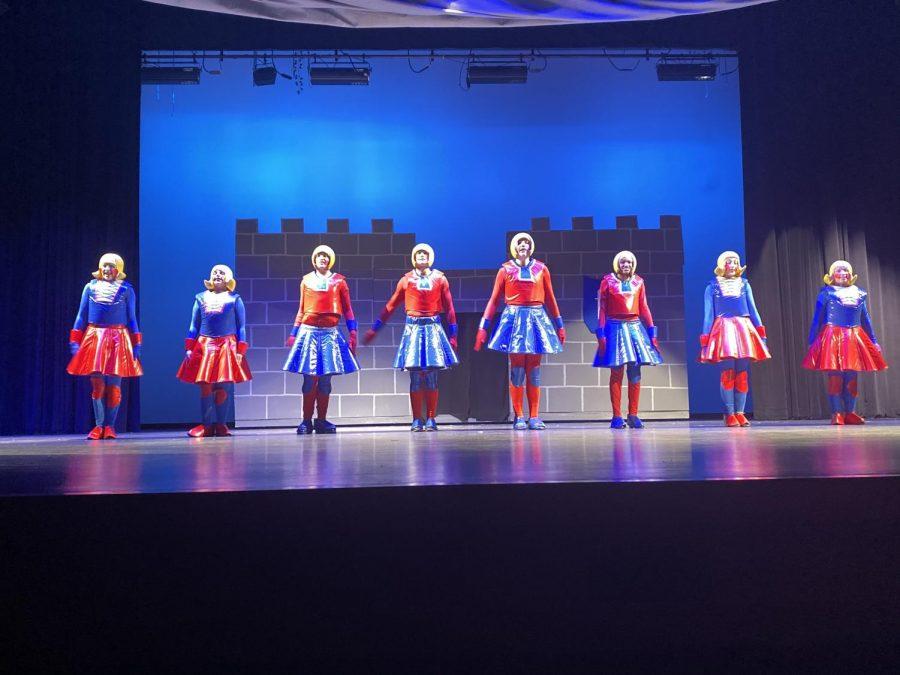 Duloc+Dancers
