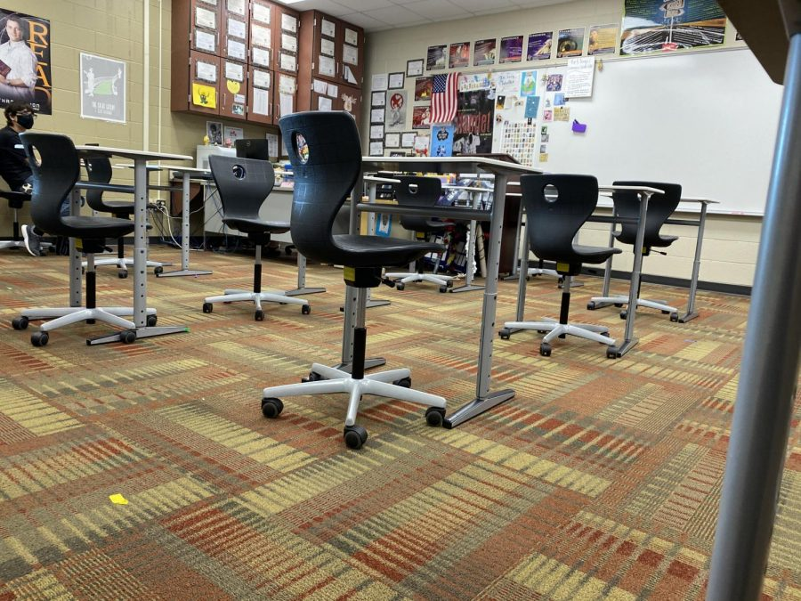 Very+spread+out+classroom%2C+about+3+feet+apart.